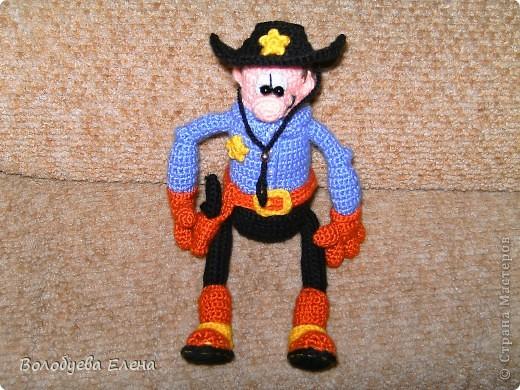 вот он мой ковбой-шериф! рост 23-25см, связан из палированного акрила. фото 4