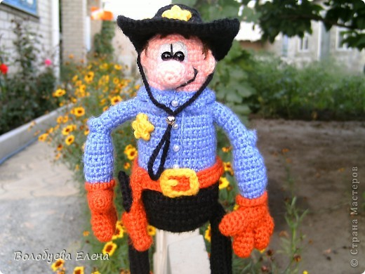 вот он мой ковбой-шериф! рост 23-25см, связан из палированного акрила. фото 3