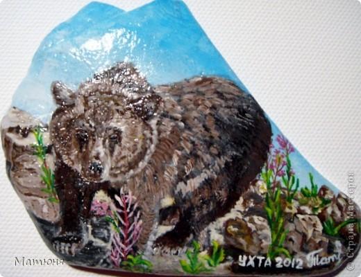 Четласский мишка - миниатюра на камне (сланец, размер 12х9 см) фото 1