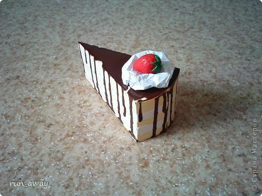 вот такой вот тортик у меня получился=) правда не знаю что и кому дарить, просто очень уж хотелось сделать его=))) фото 2