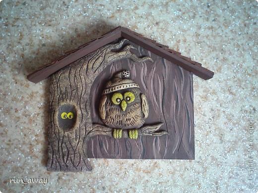 очень понравилась ключница у Татьяны Бушмановой http://stranamasterov.ru/node/342931 и я решила сделать такую же=) осталось покрыть лаком и прицепить крючки=) фото 1