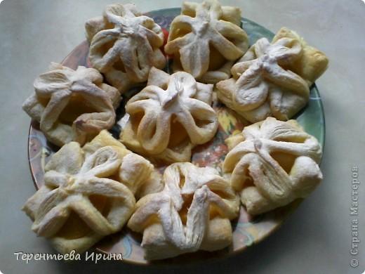 Слойки с персиками фото 1