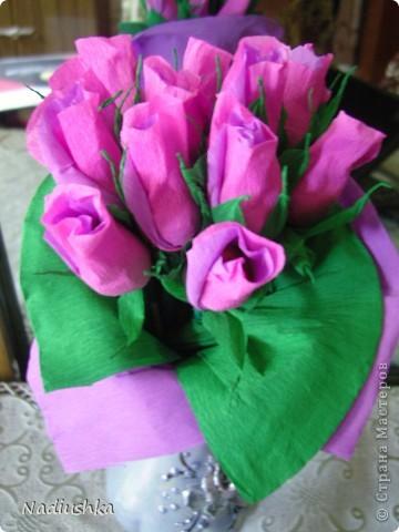 Приглашена на двойное День рождения - подруги совместно празднуют 25-летие. Ну как обойти такое событие и не поддаться творческому порыву? ) Вот и зародилась идея подарить по корзине из 25 роз.  фото 8