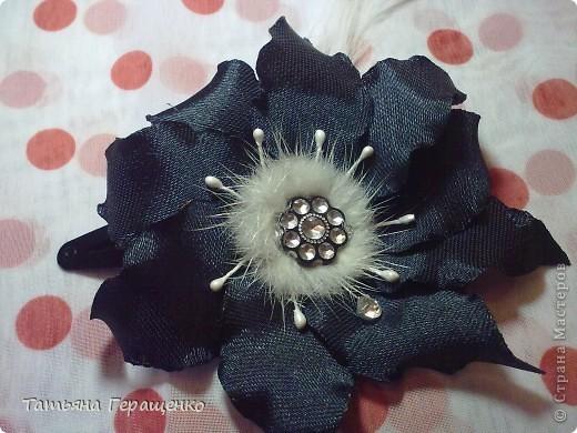 Муж сказал, что этот цветик похож на купальницу... ну пускай будет купальница)) фото 5