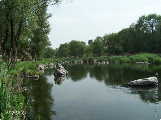 Живу я в большом промышленном городе Кривой Рог. У нас есть очень много  красивых мест где можно пообщаться с природой. Приглашаю вас на прогулку. Вот одна из наших рек Ингулец. фото 1