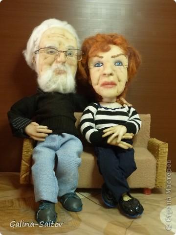 Текстильные куклы или куклы из чулка. Эта пара уже не молодых людей вместе уже 53 года. И что интересно, день рождение у них в один день, и даже день свадьбы в этот же день фото 1