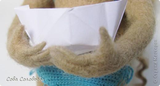 первая кукла, не судите строго)) родные определили ее, как Ассоль. кораблик, правда, без алых парусов... фото 3