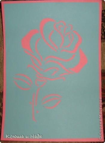 Продолжаем пробовать новые техники... вот попробовала вырезать розу. Шаблон рисовала сама (вернее сказать перерисовывала с какой-то картинки).