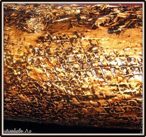 """Ваза для цветов в технике""""Терра"""".  Шпатлевка, вдавленные колосья  злаковых, клей ПВА, золотая краска из баллончика, битум, уайт-спирит, лак. фото 4"""