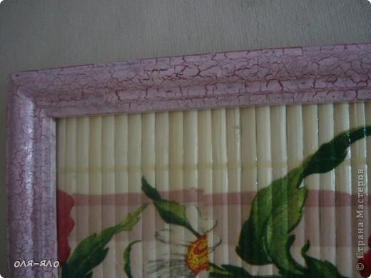 на  некрашеную бамбуковую салфетку  не покрытую грунтом сделала декупаж.   вставила в рамку, вскрыла раз 5 лаком акриловым. фото 2