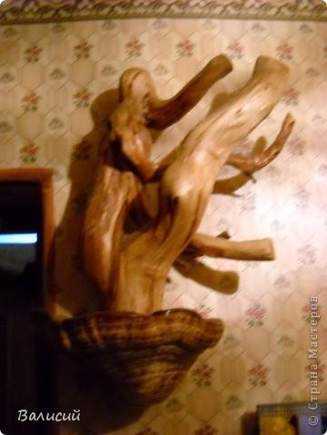Ночник, или украшение стола. Очень красивые блики создаются и на стенах, и на потолке.   Шар сделан из древесной пыли и клея ПВА. фото 8