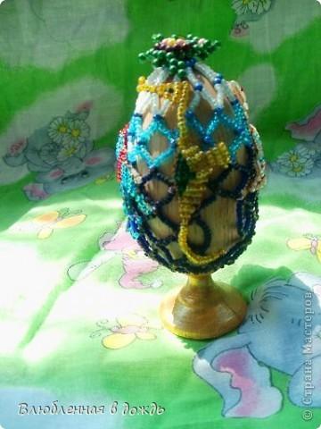 А это яйцо, было сделано, несколько лет назад, но я все забывала его сфотографировать. На самом верху, у нас черепашка, Чуть ниже- морская звезда: фото 3