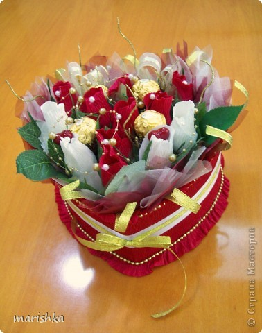 Попросили меня сделать сладкий подарок,и что-нибудь с сердечками.  фото 1