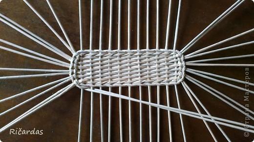 плетение из газетных трубочек как сплести овальное дно