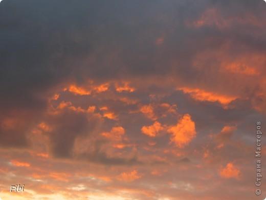 Очень люблю смотреть на небо и самые яркие моменты оставлять в памяти при помощи фотоаппарата.  фото 1