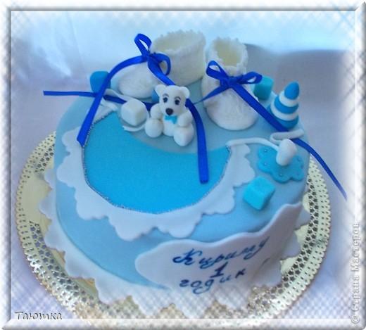 А вот и тортик с теми самыми пинетками, по которым я недавно делала МК)  фото 1