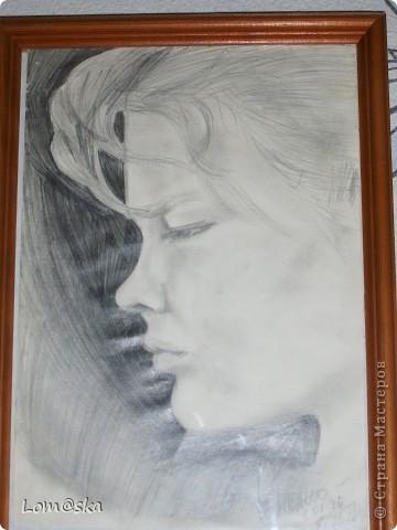 портрет подруги, карандаш. 1995 год.