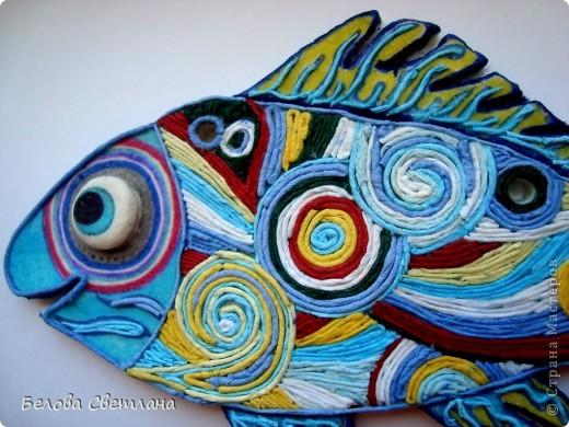"""На Хомячке началось новое общее задание на тему """" Рыбаки и рыбки""""...  http://homyachok-scrap-challenge.blogspot.com/ Можно делать работы на эту тему в любой технике, смотрите и другие потрясающие работы дизайнеров и присоединяйтесь со своими умениями!!!! Я же сотворила рыбку из солёного теста, разукрасила её и впервые попробовала волшебно интересную технику Пейп-арт от Татьяны Сорокиной: http://stranamasterov.ru/user/151613 Спасибо Вам за вдохновляющее творчество и море позитива! фото 2"""