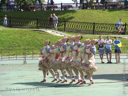 С 6 по 8 июля в Ярославле прошел традиционный трехдневный фестиваль «Дни лета и любви». В числе приглашенных - фольклорный коллектив с мировой известностью «Бурановские бабушки». фото 11