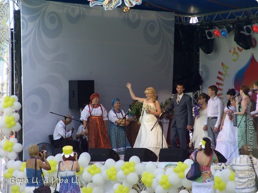 С 6 по 8 июля в Ярославле прошел традиционный трехдневный фестиваль «Дни лета и любви». В числе приглашенных - фольклорный коллектив с мировой известностью «Бурановские бабушки». фото 8