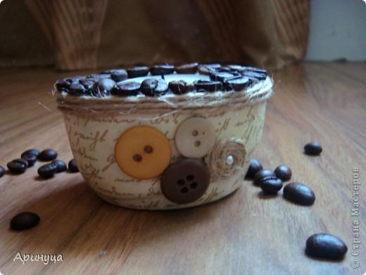 Подсвечник выливала из гипса,формой послужила коробочка от йогурта)))руководствовалась этим мастер-классом http://stranamasterov.ru/node/338287?c=favorite фото 2