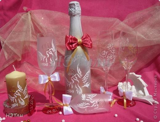 От заказчиков поступило четыре пожелания: голуби, кольца, дата свадьбы и золотой ободок на бокалах... фото 8
