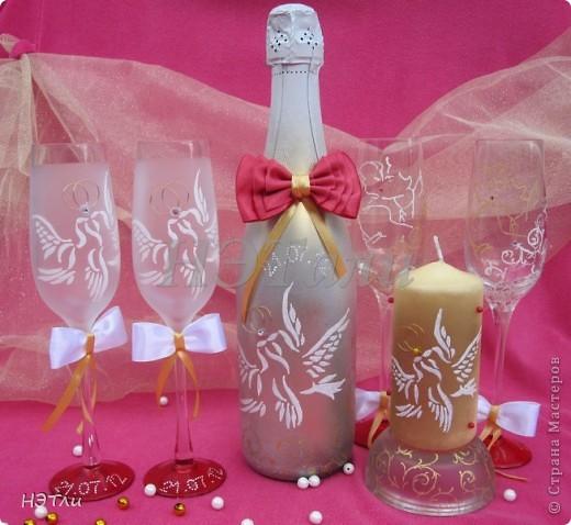 От заказчиков поступило четыре пожелания: голуби, кольца, дата свадьбы и золотой ободок на бокалах... фото 10