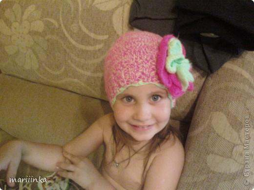 Вот такую шапочку доча наденет,когда будет прохладно. фото 1