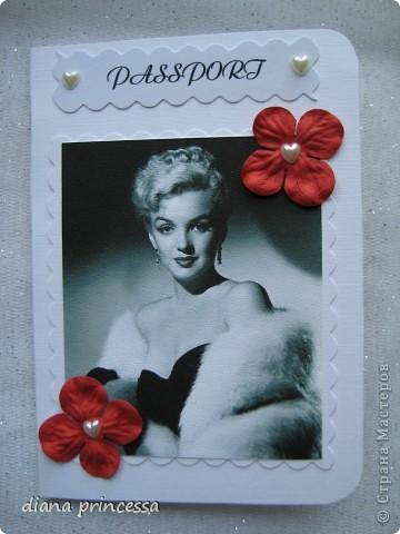 "обложка на паспорт ""Мерлин Монро"" фото 1"