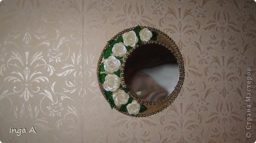 Уже давненько хотелось сделать себе зеркало по работе Натальи Пичугиной http://stranamasterov.ru/node/191577. И вот младший сынок ускорил вооплощение маминой задумки-разбил китайскую оправу, освободив для мамы зеркало. Тут уж я тянуть не стала и принялась за работу! фото 1