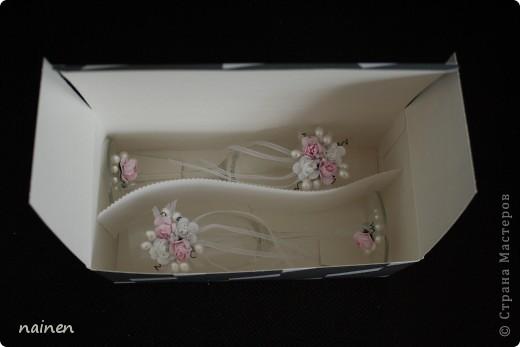 Мой первый опыт. Долго вынашивала желание декорировать свадебные бокалы! Видимо...пришло время :) Эти бокальчики ищут хозяев! Можно приобрести в Питере. фото 5