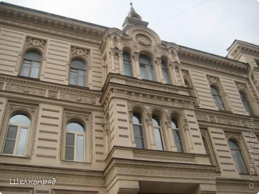 Ну, вот и последний мой фоторепортаж о Петербурге. Я обещала выложить просто архитектуру этого города. Она своеобразна, она даёт почувствовать дух города, понять, насколько он красив и велик. Некоторые фотографии сделаны из окна экскурсионного автобуса, поэтому на них можно заметить небольшие блики. Но я старалась отбирать более качественные. Просто прогуляйтесь со мной и полюбуйтесь. фото 58