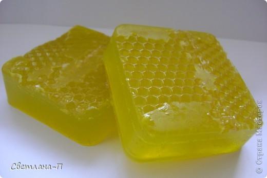Медовое мыло с вощиной.