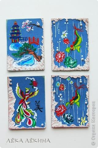 В продолжение темы восточных мотивов, нарисовалась вот такая мини-серия на тему Китая...Надеюсь не удалосьпередать атмосферу Поднебесной:) все как обычно - основа бумага для пастели, рисунок акрилом, полубусинки, текстурная паста, дистрессы. Добавила немного карточек, поэтому есть выбор фото 1