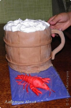 Вот такой тортик делала на день рождения своему свекру, он у нас большой любитель пива и раков) фото 2