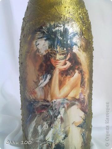 Здравствуйте дорогие жители страны!Хочу показать вам свою очередную бутылочку,делала ее в подарок подруге,сегодня пойду поздравлять именинницу,надеюсь моя бутылочка ее порадует))))))))))))))))б фото 2