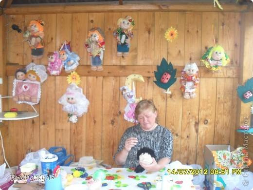 На июньской ярмарке моими работами заинтересовалась хозяйка сувенирного магазина Иркутска. Сделала предложение пошить пробную партию кукол. Вот они готовы в путь. фото 14