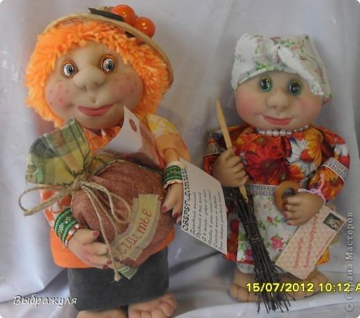 На июньской ярмарке моими работами заинтересовалась хозяйка сувенирного магазина Иркутска. Сделала предложение пошить пробную партию кукол. Вот они готовы в путь. фото 2