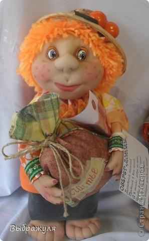 На июньской ярмарке моими работами заинтересовалась хозяйка сувенирного магазина Иркутска. Сделала предложение пошить пробную партию кукол. Вот они готовы в путь. фото 3