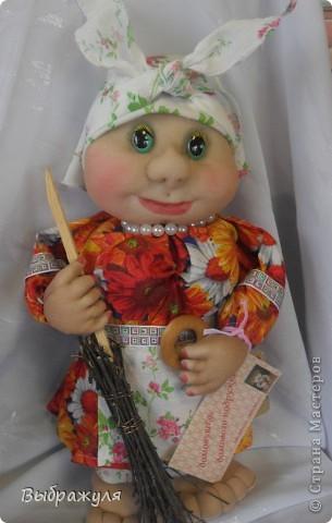 На июньской ярмарке моими работами заинтересовалась хозяйка сувенирного магазина Иркутска. Сделала предложение пошить пробную партию кукол. Вот они готовы в путь. фото 4