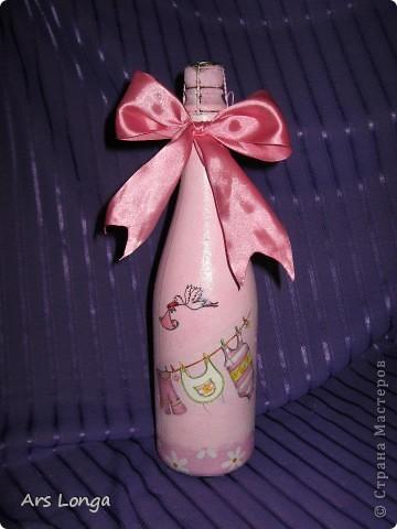 Бутылочка сделана под заказ, для родителей новорожденной девочки :)
