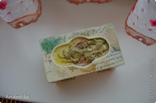 Вид спереди (шкатулочка обклеена рисовой бумагой) фото 3