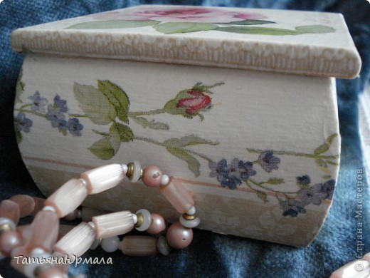 Деревянная шкатулка, салфетки 2 видов, внутри бархат фото 15