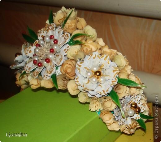 у меня в сценарии торжества есть момент, когда виновница торжеста коронуется) вот такую корону на резинке я ей придумала) фото 2