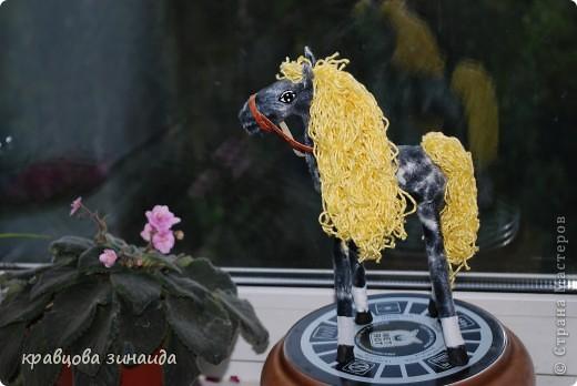 Добрый  день , всем  мастерицам,  вот  и  у  меня  появилась  лошадка ( этими  животными  можно  любоваться  безконца ) у  ИРОЧКИ  - феи  их  много,  а  у  меня  одна,  получилась  по - моему  неплохо. фото 2