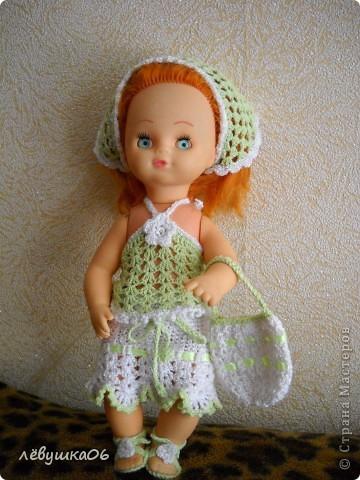 в детском саду попросили обвязать куклу... и вот что из этого получилось) зимний костюм фото 7