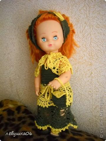 в детском саду попросили обвязать куклу... и вот что из этого получилось) зимний костюм фото 5