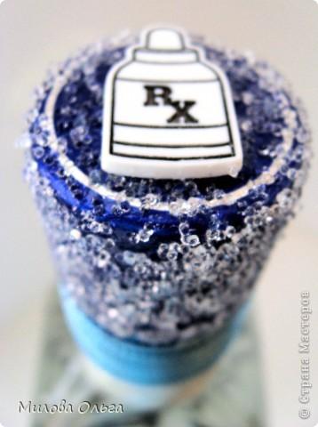 Задекорировала бутылочки в благодарность докторам фото 4