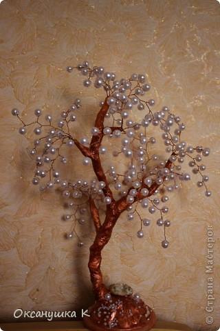 """Из бусин """"под жемчуг"""" очень быстро сплелось вот такое деревце фото 3"""
