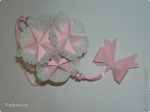 Designer: Tomoko Fuse Parts :30+30 Paper: 4*8 cm Joint: glue video: http://kusuda.ru/kusudamas/odna-iz-kusudam-tomoko-fuse Бумага офисная + пергамент Вдохновение искала здесь: http://stranamasterov.ru/node/193570 фото 2